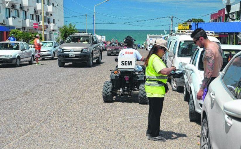 Las Grutas: quejas por el cobro del estacionamiento medido
