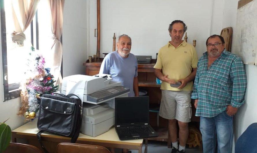 Entregaron elementos de computacion a instituciones del Puerto del Este