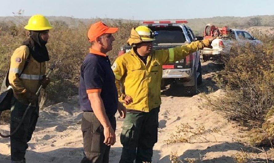 Protección Civil continúa con la coordinación de los trabajos en incendio cerca de Las Grutas